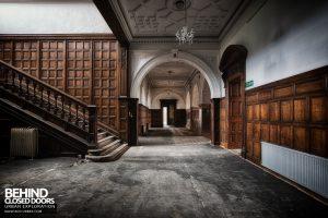 Kinmel Hall - Main hallway