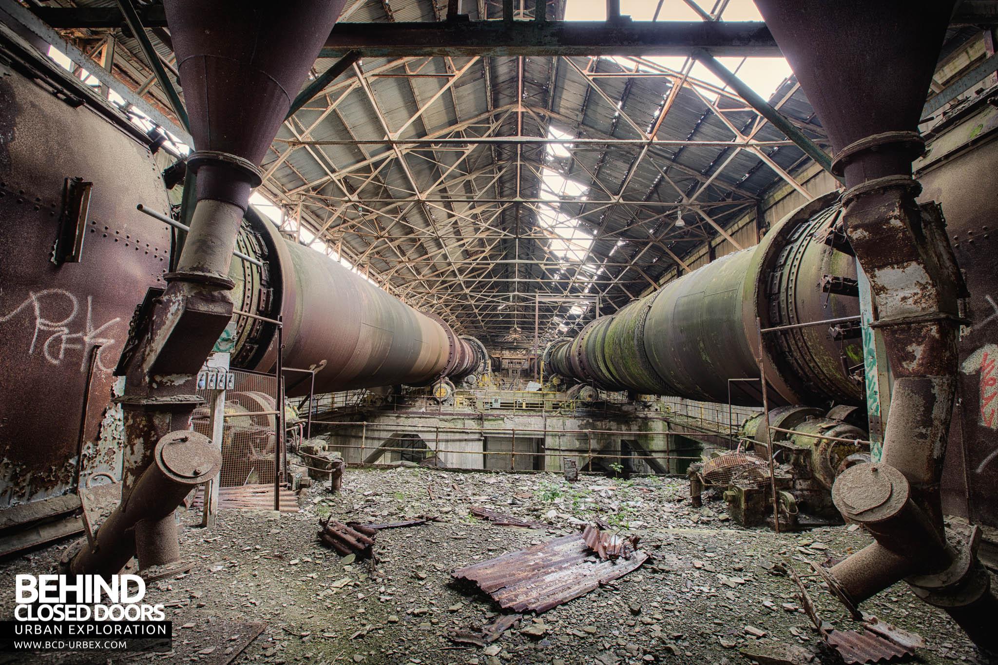 Inside Cement Kiln : Shoreham cement works west sussex urbex behind closed