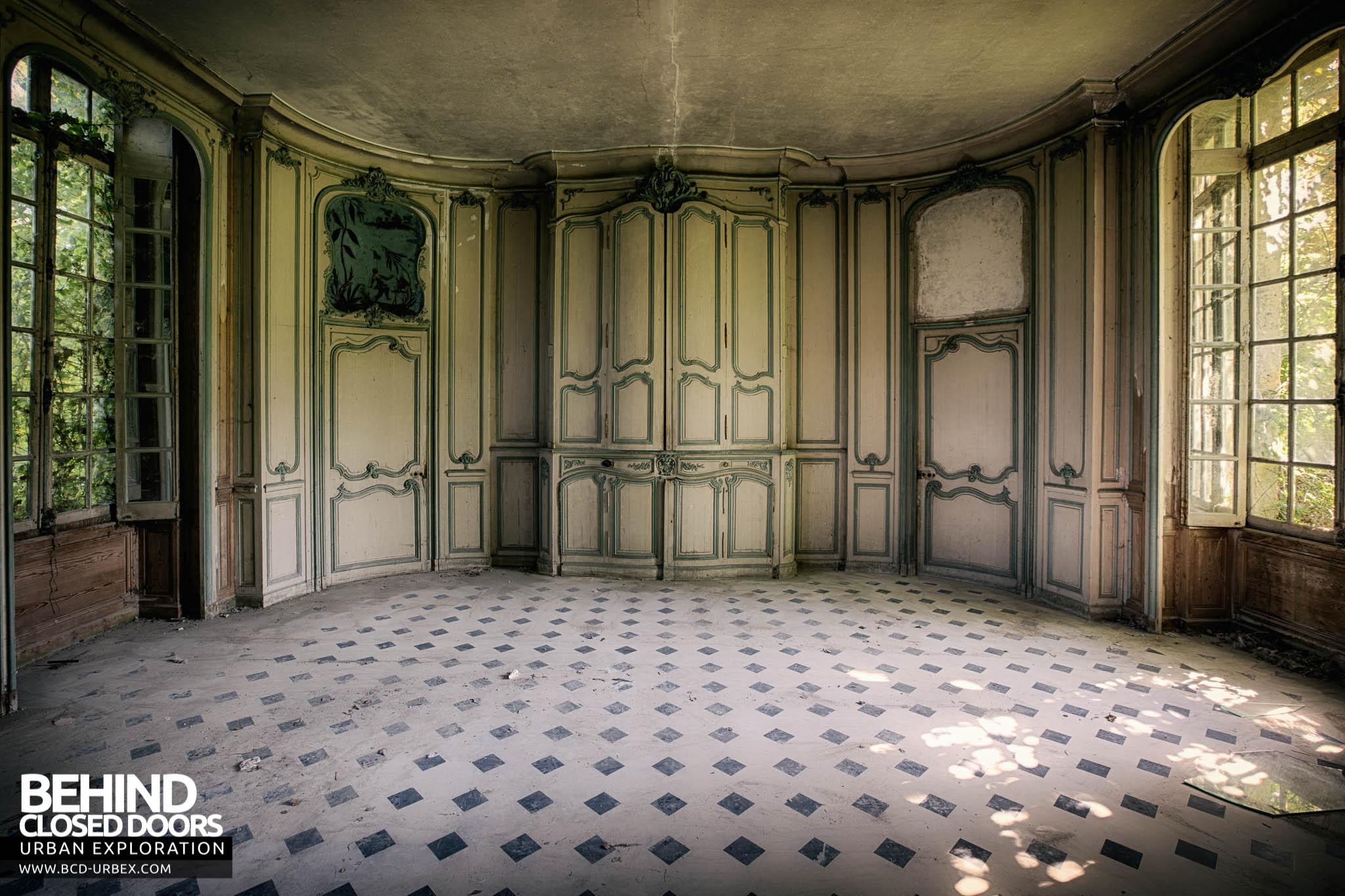 Château de Singes \u2013 Lovely details on the doors & Château de Singes France » Urbex | Behind Closed Doors Urban ... Pezcame.Com