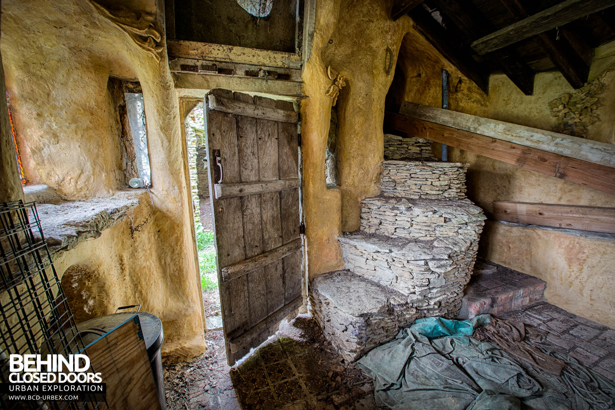 The Hobbit House Aka Colins Barn 187 Urbex Behind Closed