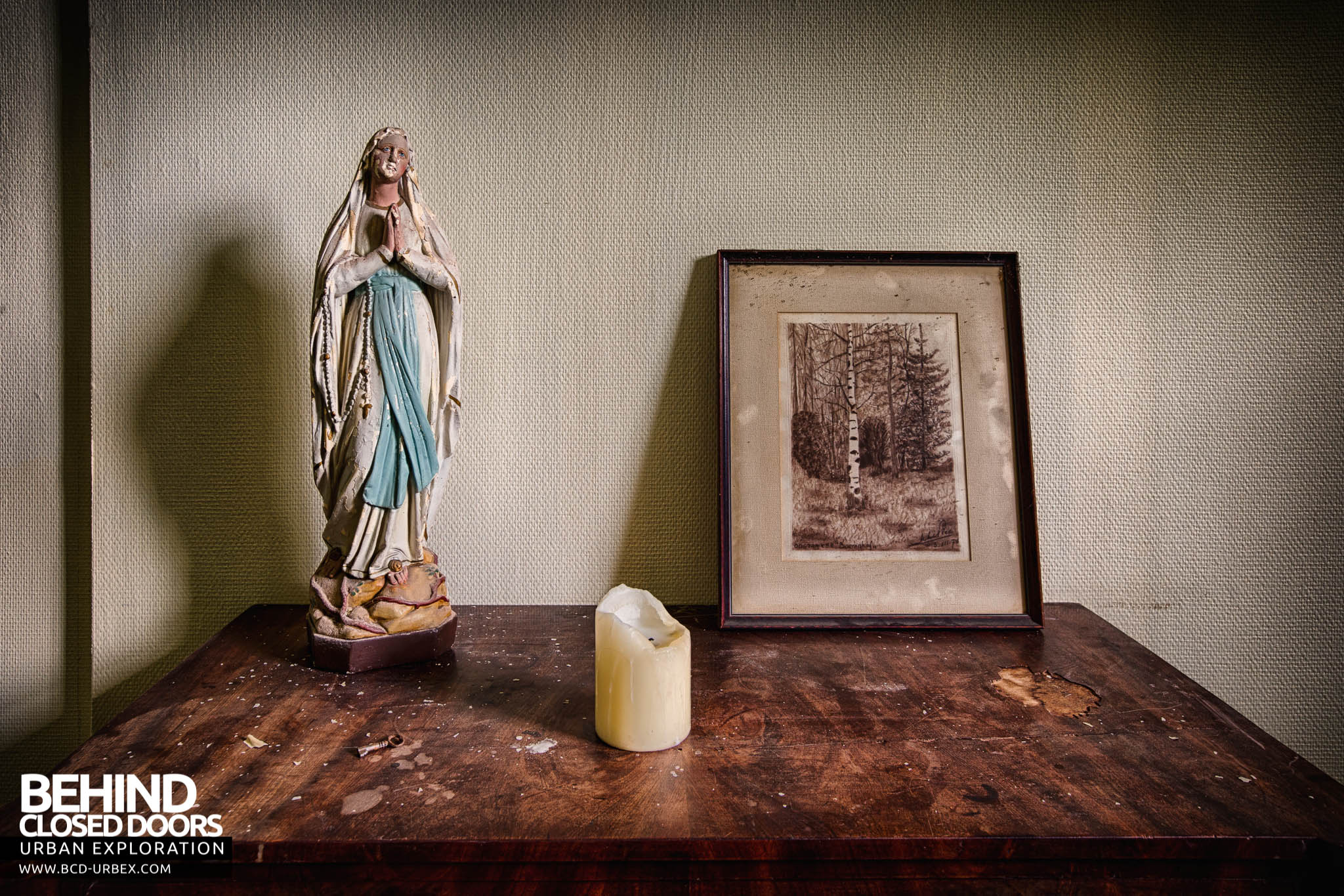 chateau de la chapelle belgium. Chateau De La Chapelle \u2013 Side Table With Religious Figure, Candle And Picture Belgium
