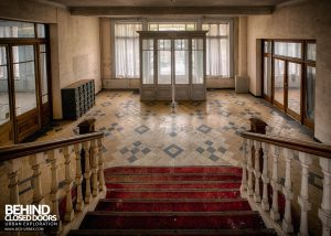 Hotel Thermale - Closer view on the stairs