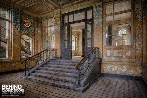 Beelitz Heilstätten Bath House - Entranceway