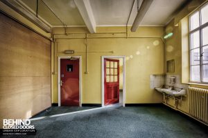 Post Office, Leicester - Yellow room