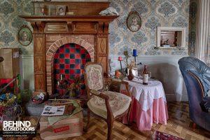 Villa Ro - Fireplace