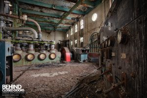 Grimsby Ice Factory - Compressors and switchgear