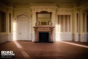 Stanford Hall - Nice fireplace