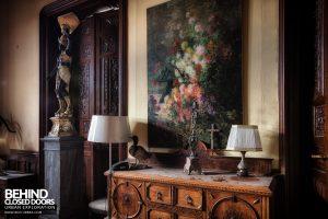 Château Sous Les Nuages - Painting and lamps
