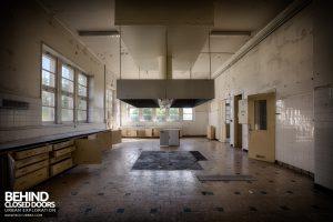 Hospital Plaza - Kitchen