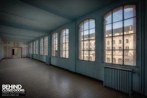 Hospital Plaza - Ward room