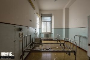 Hospital SC, Italy - Ward beds