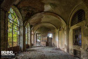 Palazzo di L - Old Grandeur