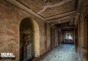 Palazzo di L - Corridor