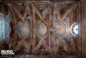 Palazzo di L - Chapel ceiling