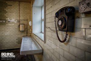 Hawks Morgue - Telephone