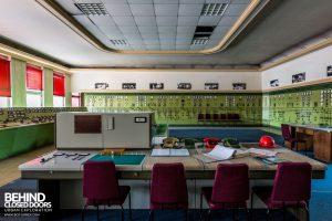 Kraftwerk V, Germany - Chairs at desk