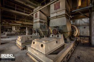 Kraftwerk V, Germany - Blowers beneath boiler