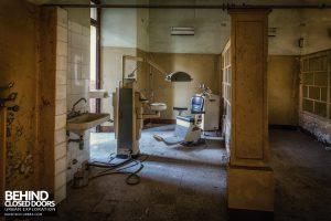Manicomio di Racconigi - Dentist room