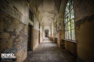 Manicomio di Racconigi - Long corridors