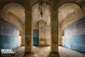 Manicomio di Racconigi - Columns and arches