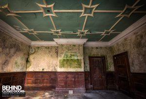 High Royds Asylum - Decaying room