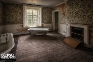 Pitchford Hall - Bathroom