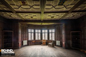 Pitchford Hall - Big timber room