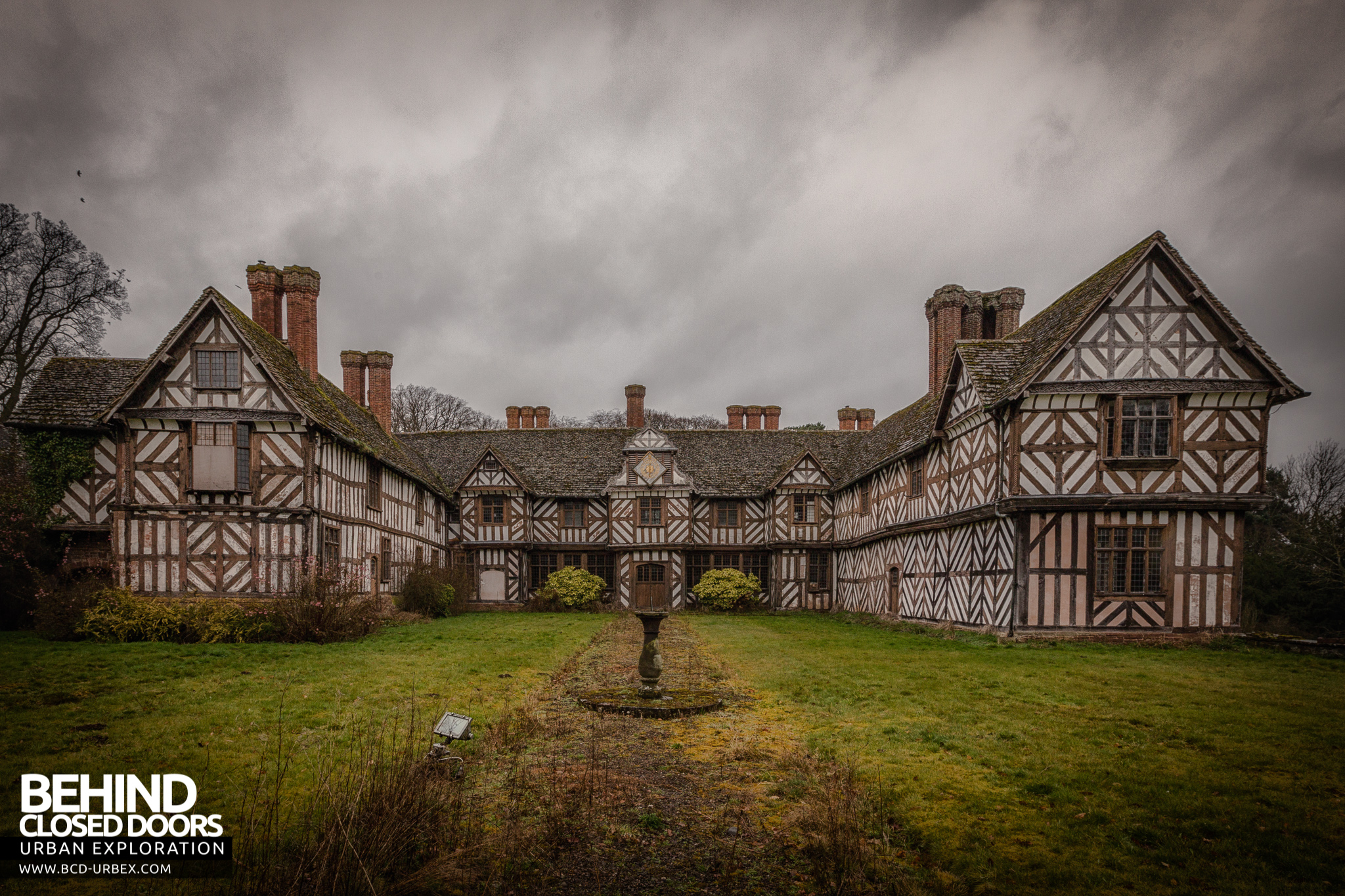 Victorian Style Mansions Pitchford Hall Abandoned Country House Uk 187 Urbex