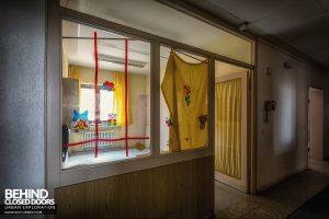 Psychiatrie V Germany - Child's stickers on window