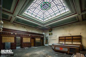 Buxton Crescent - Square glass dome