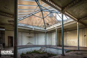 Buxton Crescent - Spa bath