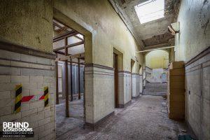 Buxton Crescent - Corridor