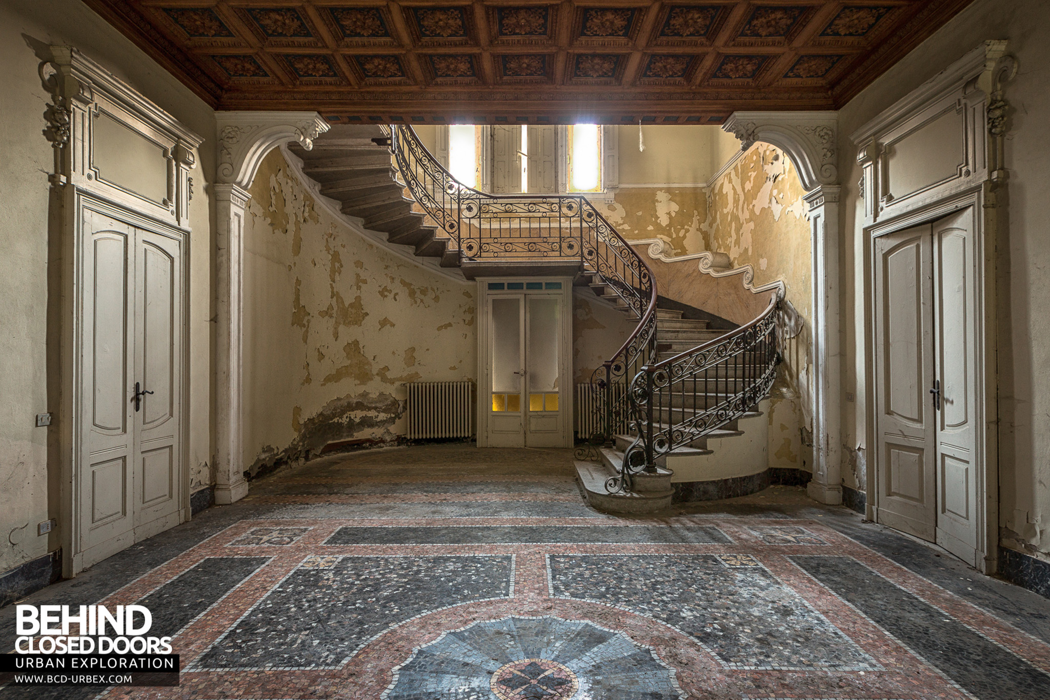 Foyer Hallway Urban Dictionary : Villa margherita abandoned house italy urbex behind