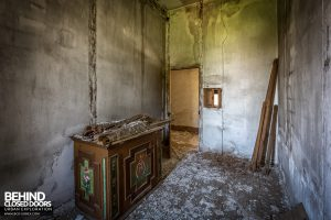 Monastero MG, Italy - Cabinet in decaying room