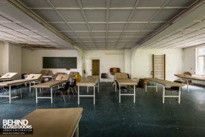 Haus Der Anatomie - Physio beds
