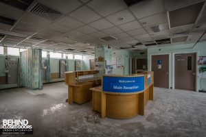 Queen Elizabeth II Hospital - Ward main reception