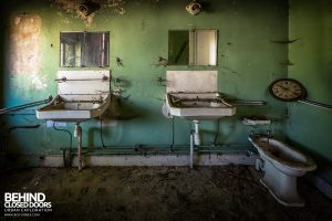 Manoir DP, Belgium - Sinks in bathroom