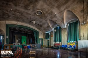 Holly Lodge, Liverpool - Old stage