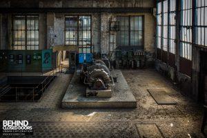 Alienworks - Decaying turbine