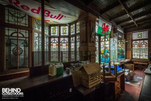 Coal Exchange, Cardiff - Stained glass behind the bar