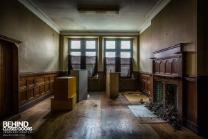 Coal Exchange, Cardiff - Wood panel room