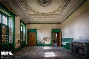 Tottenham House - Dark green room