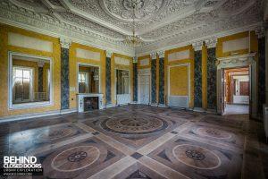 Tottenham House - Marble room