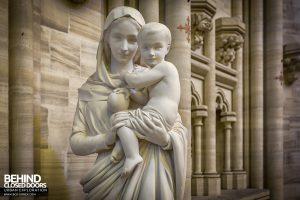 Chapelle des Pelotes, France - Statue