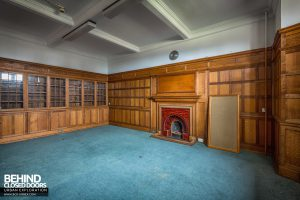 Sunnyside Hospital - Grand wooden-panelled room