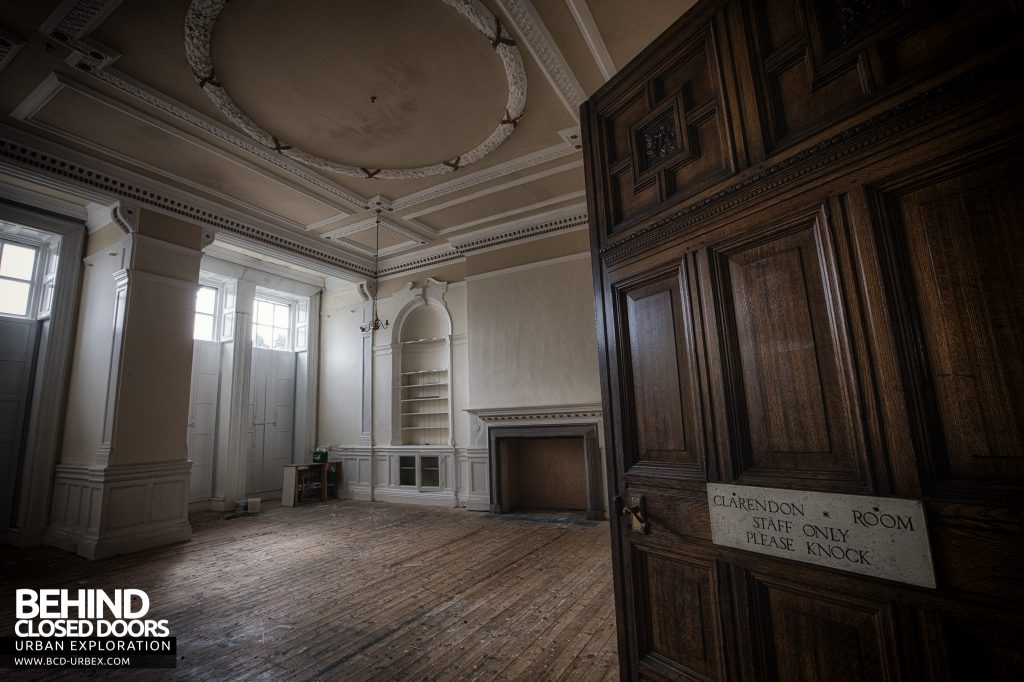 Kinmel Hall - Door to the Clarendon Room