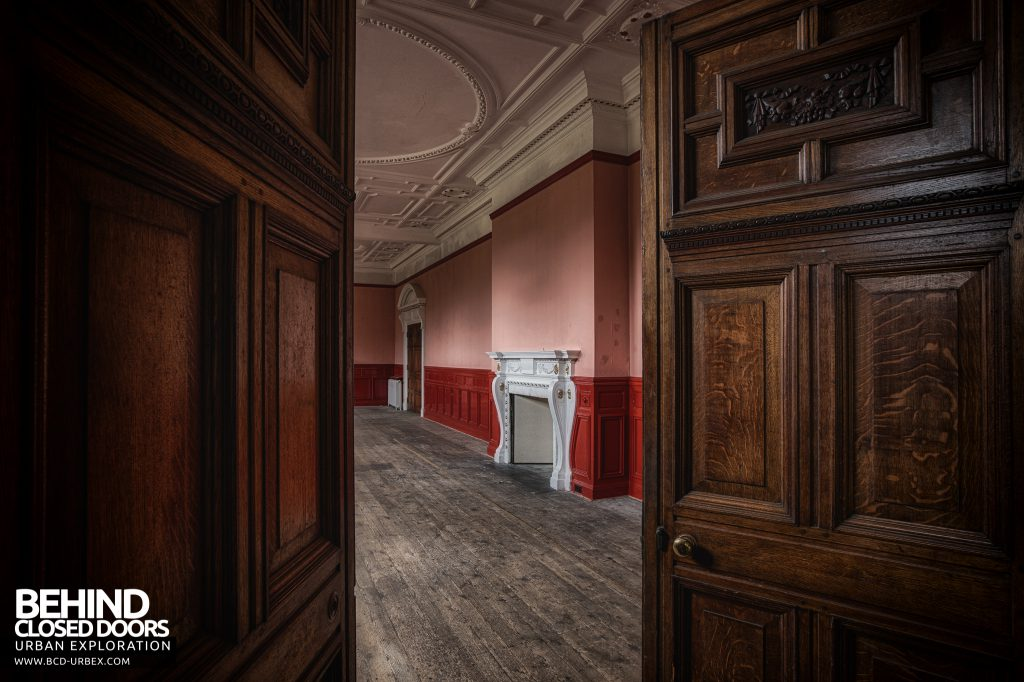 Kinmel Hall - Looking into the red room