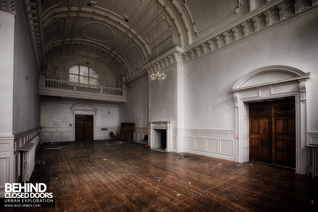 Kinmel Hall - The white ballroom