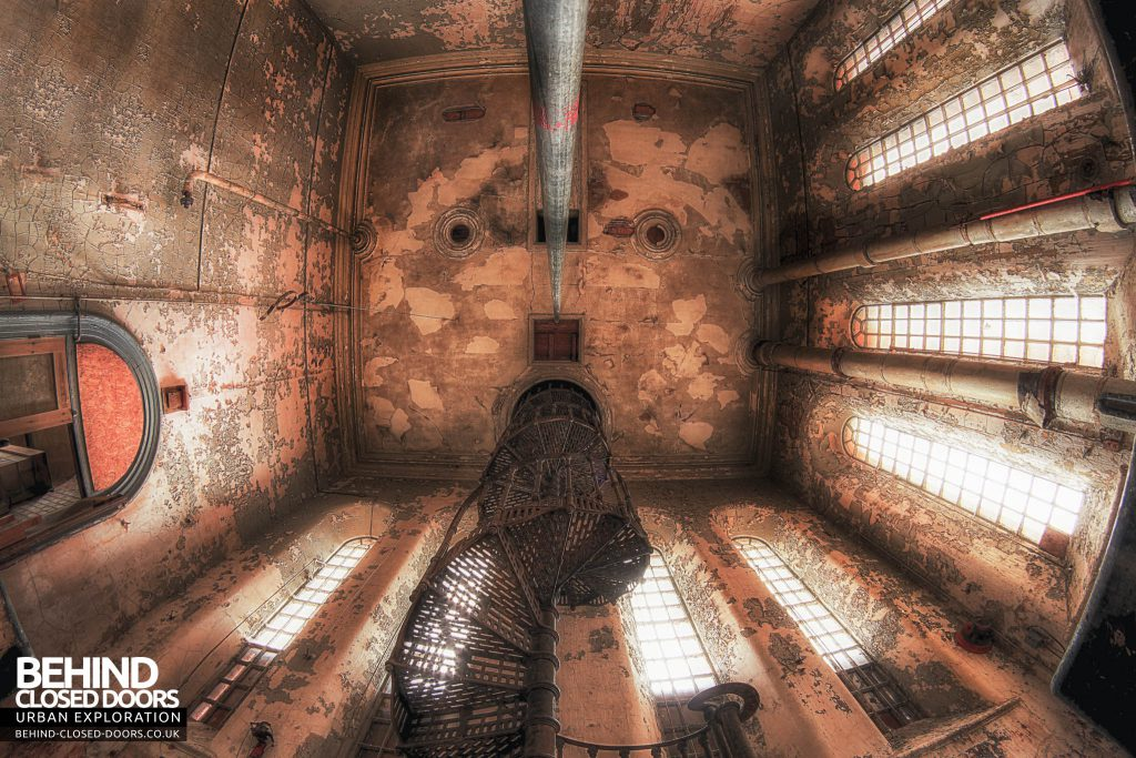 Bass Maltings - Looking up, Looking down