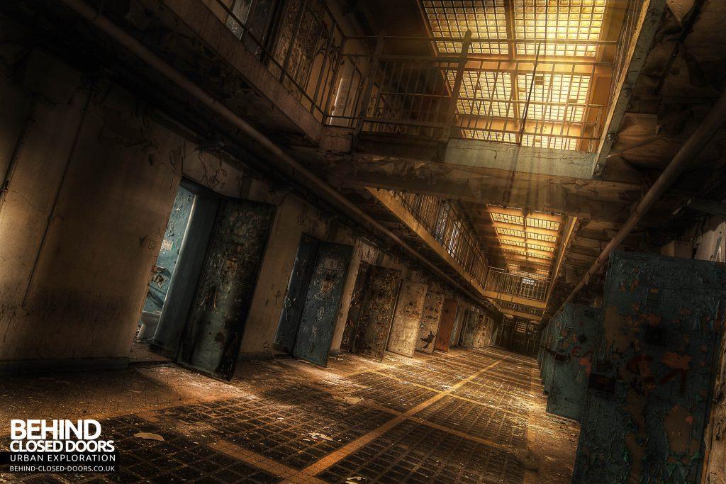 Prison de Loos - Life Behind Bars